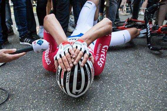 Mathieu van der Poel wint Amstel Gold Race van Leon van Bon