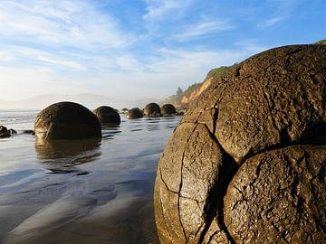 Close-Up van de boulders in Moeraki, Nieuw-Zeeland van J V