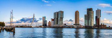 Panorama Rotterdam Skyline van Sylvester Lobé