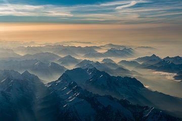 Brouillard dans les vallées autour de la Zugspitze sur Denis Feiner
