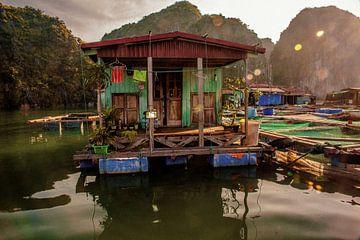 Huis op het water in Vietnam von Godelieve Luijk