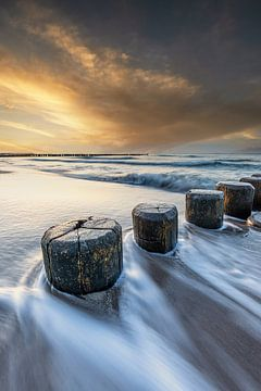 Buhnen aus Holz in der Ostsee von Tilo Grellmann | Photography