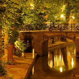 Quintijnsbrug over de Nieuwegracht in Utrecht van Donker Utrecht