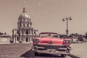 klassieke oude Cadillac in Parijs old look van Patrick Löbler