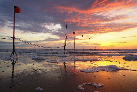 Sunset at the beach  van Dirk van Egmond