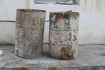 Twee olievaten in Griekenland
