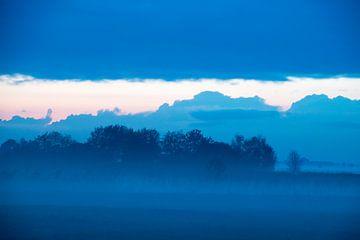 Blauwe nacht van Nico Oosten