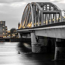 Nijmegen Skyline with Yellow Lights van Thomas van Houten