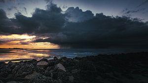 stormachtige zonsondergang van