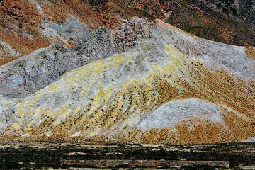 Zwavel afzetting naast de vulkaan von Ima Rhebok