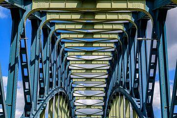 Alte IJsselbrug über den Fluss IJssel zwischen Zwolle und Hattem von Sjoerd van der Wal