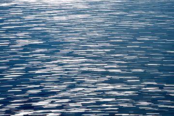 blue sea van Peter Bergmann