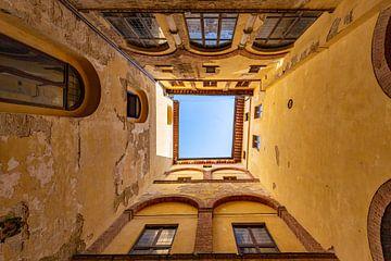 Binnenplaats van Siena van Dennis Eckert