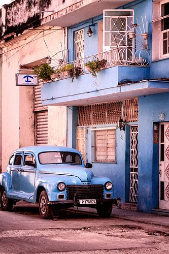 Blauwe Cubaanse Sfeer van Tonny Visser-Vink