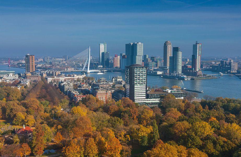 Rotterdam in herfstkleuren van Ilya Korzelius