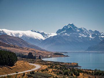 De weg richting Mount Cook van Rik Pijnenburg