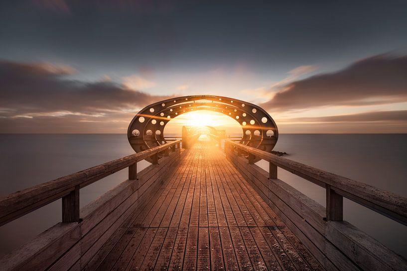 Zonsopgang op de pier van Kellenhusen aan de Oostzee van Voss Fine Art Fotografie