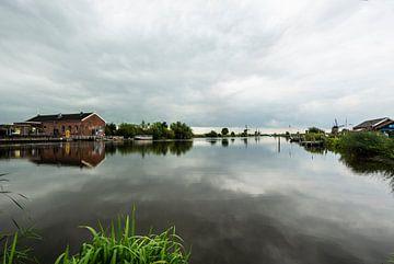 Kinderdijk water reflecties. van