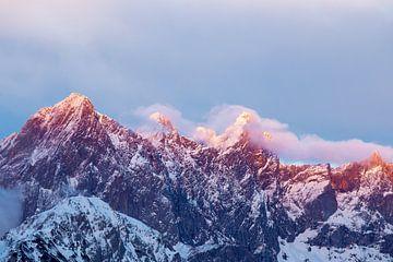 Alpenglow on the Dachstein sur