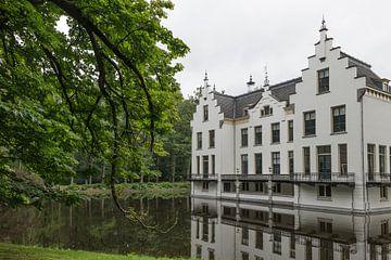 Nationaldenkmal Kasteel Staverden, 1905 auf den Resten früherer Burgen in der kleinsten Stadt der Be von Compuinfoto .