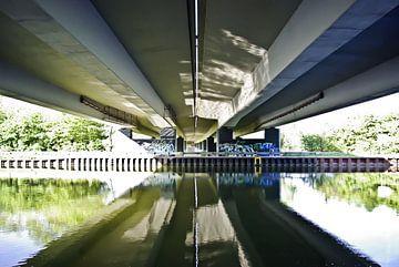 Pont sur le canal sur Norbert Sülzner