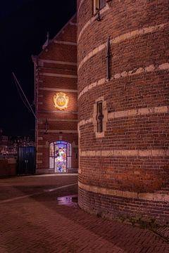 De Munttoren in Amsterdam met winkels tijdens de avond van Bart Ros
