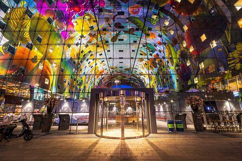 Markthalle im Herzen von Rotterdam von Vincent Fennis