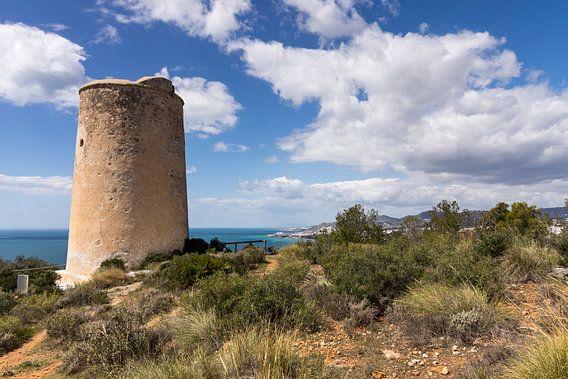 Torre de Maro in het natuurpark Acantilados de Maro Cerro Gordo