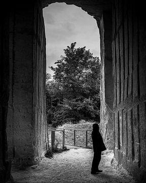 Man in ENCI-groeve (Zwart-Wit) van Lars Cremers