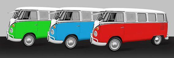Camping bus parade in kleurrijke