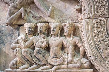 Reliëf met Apsara in de tempel, Cambodja van Rietje Bulthuis