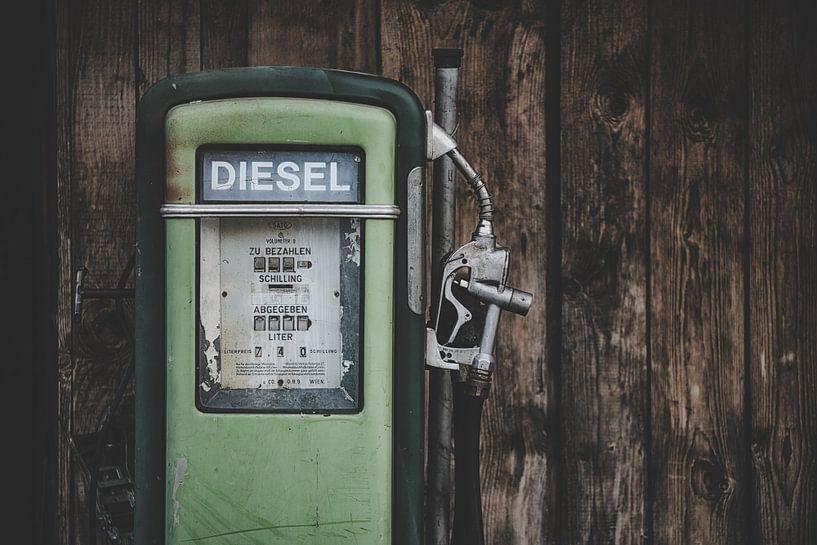 Oude Benzinepomp van Maikel Brands