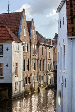 Häuser am Fluss Lange Linschoten in Oudewater von Peter de Kievith Fotografie