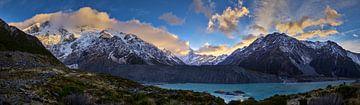 Sunrise ove Mount Cook en Mueller Lake van Keith Wilson Photography