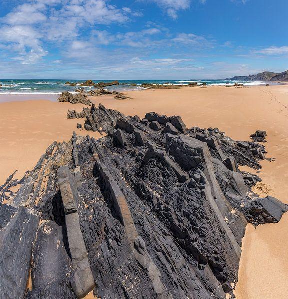 Praia do Castelejo, Vila do Pisbo, Algarve, Portugal van Rene van der Meer