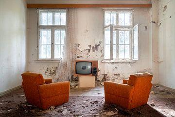 Fernsehen in einem verlassenen Raum.
