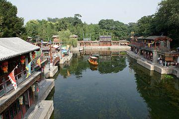 Beijing Summer Palace Suzhou Rivier en Straat Overview 01 van Ben Nijhoff