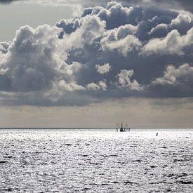 Fischerboote Wattenmeer von Miranda van Hulst