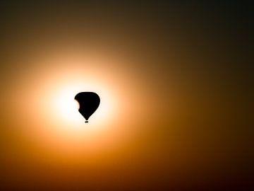 Myanmar - Bagan - Een ballon voor de zon van Rik Pijnenburg