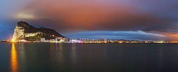 Gibraltar Panorama bij zonsondergang van Frank Herrmann