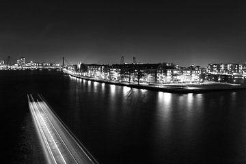 Willemsbrug in Rotterdam december  van Dexter Reijsmeijer
