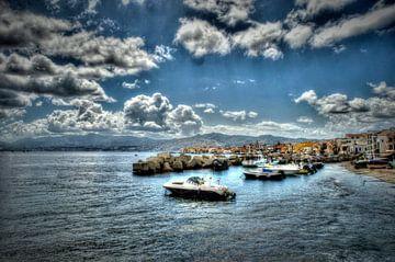 Taormina (Siciliaans: Taurmina)  Sicilië Italië. van Edwin Hunter
