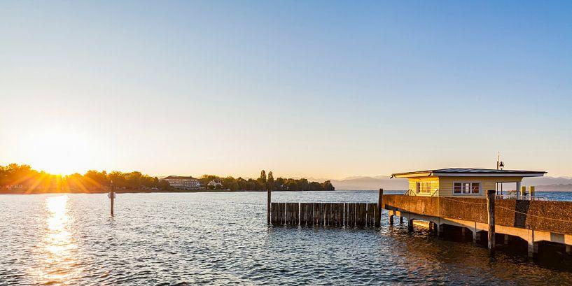 Langenargen au lac de Constance au lever du soleil sur Werner Dieterich