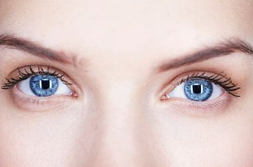 LPH 70370293 Close up van vrouw met mooie ogen van BeeldigBeeld Food & Lifestyle