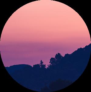 Purple sunrise van Gerrit Anema