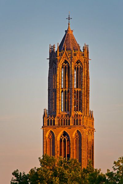 Laatste zonnestralen op de Domtoren te Utrecht