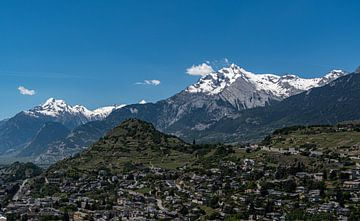Blick über Sion, Schweiz von Ingrid Aanen