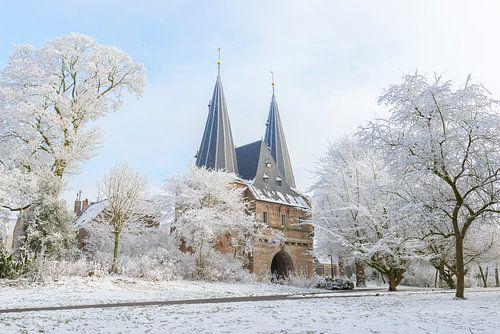 Cellebroederspoort in Kampen in Overijssel tijdens een mooie de winterdag