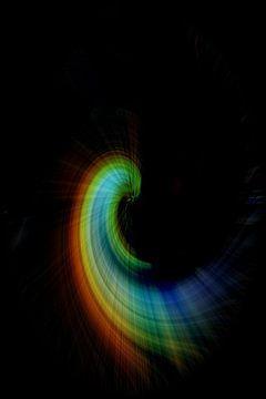 Mehrfarbiger abstrakter Halbkreis auf schwarzem Hintergrund von Joachim Küster