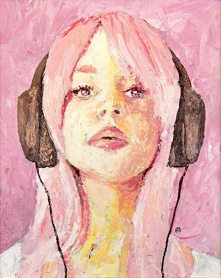 Cerise Pink - meisje met koptelefoon van Anouk Maria van Deursen
